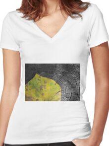 Leaf Women's Fitted V-Neck T-Shirt