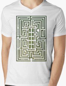 Overlook Hotel Shrub Labyrinth - The Shining Mens V-Neck T-Shirt