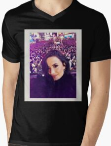 Demi's selfie at #RockinEve Mens V-Neck T-Shirt