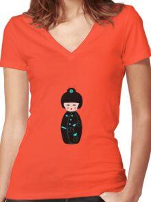 Japanese Geisha Doll Women's Fitted V-Neck T-Shirt