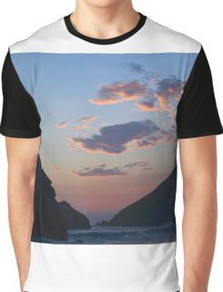 Beachy Sunset Graphic T-Shirt