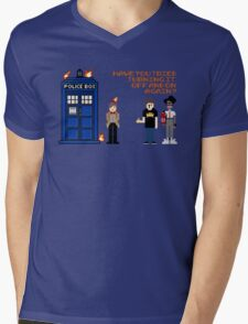 Doctor Who Calls IT Crowd  Mens V-Neck T-Shirt