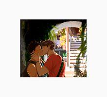 Iwaoi Holidays kiss Unisex T-Shirt