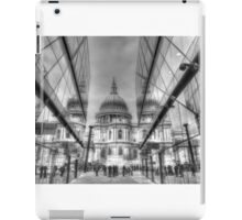 St Pauls Cathedral reflected iPad Case/Skin