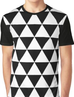 TRIANGLE MAXIMUM ! Graphic T-Shirt