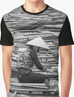 Vietnamese Boat Lady in Tam Coc Graphic T-Shirt