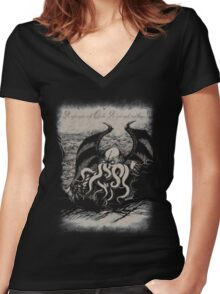 Cthulhu - Rise Great Old One Women's Fitted V-Neck T-Shirt