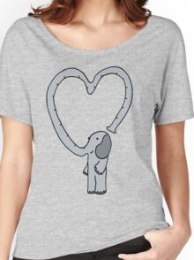elephant love Women's Relaxed Fit T-Shirt