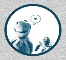Kermit in Love by derekTheLair