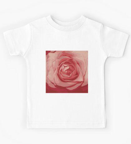 pink rose grunge stile Kids Tee