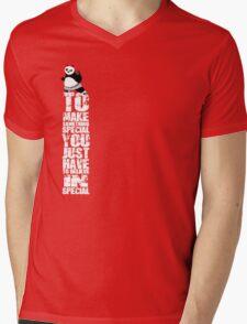 kung fu panda poo meme Mens V-Neck T-Shirt