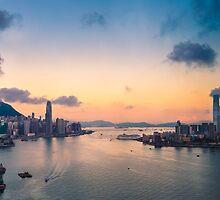 HONG KONG 09 by Tom Uhlenberg