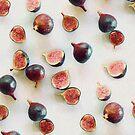 Fresh Figs on Linen by micklyn