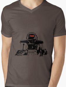 DJ Max in the house (light) Mens V-Neck T-Shirt