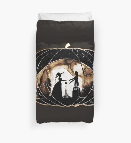 Halloween Love (Happy Halloween !)  Duvet Cover