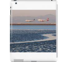 Planes Landing iPad Case/Skin