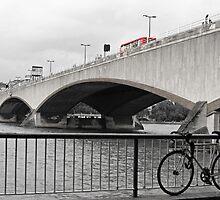 WATERLOO BRIDGE by MIKESCOTT