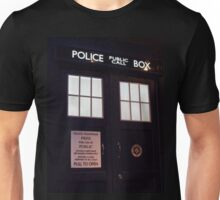 Doctor Who TARDIS Doors - Police Box Unisex T-Shirt