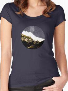 Golden Mountain  Women's Fitted Scoop T-Shirt