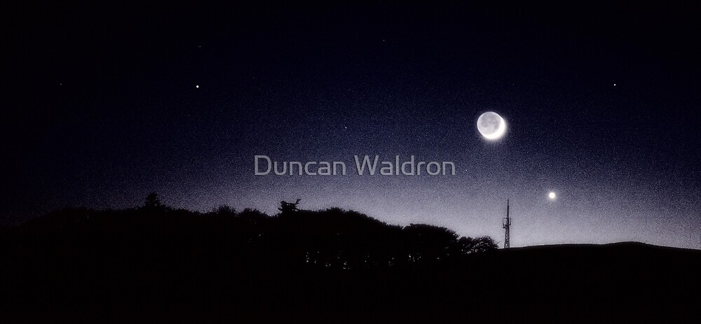 Moon, Venus & Mars in twilight by Duncan Waldron