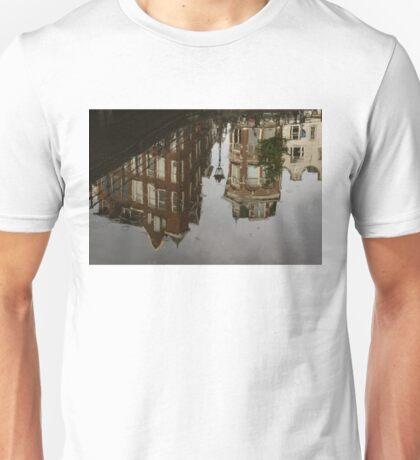 Amsterdam - Moody Canal Reflection in the Rain Unisex T-Shirt