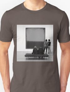 PEOPLE AT AN EXHIBITION (MONOTONE) Unisex T-Shirt