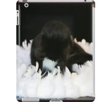 Ring of feathers iPad Case/Skin