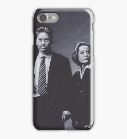 Original Charcoal Drawing of Dana Scully and Fox Mulder from X Files iPhone Case/Skin