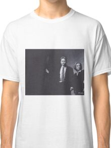 Original Charcoal Drawing of Dana Scully and Fox Mulder from X Files Classic T-Shirt
