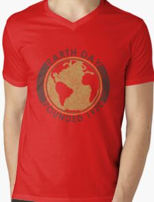 Earth Day: Old School Mens V-Neck T-Shirt