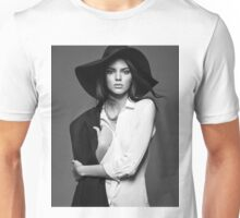 Kendall Jenner - BW Unisex T-Shirt