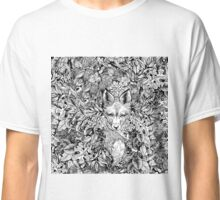 Hiding fox Classic T-Shirt