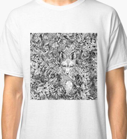 Hiding fox Classic T-Shirt
