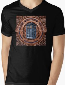Aztec Time Travel Box full color Pencils sketch Art Mens V-Neck T-Shirt