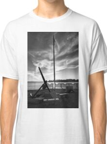 Evening At The Memorial B&W Classic T-Shirt