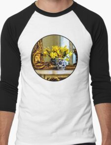 Daffodils on Mantelpiece Men's Baseball ¾ T-Shirt