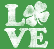 Love shamrock for st. patrick's day  Kids Tee