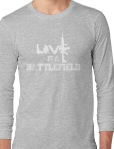 Love is a battlefield - version 2 - white Long Sleeve T-Shirt