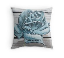 SPARKLING FROST Throw Pillow