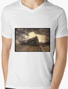 Tollesbury Grain Barn Mens V-Neck T-Shirt
