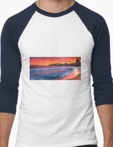 Red sky (and sea) at night T-Shirt