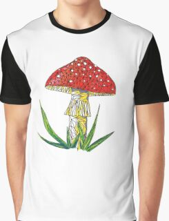 magic poisonous mushroom - red with white dots Graphic T-Shirt