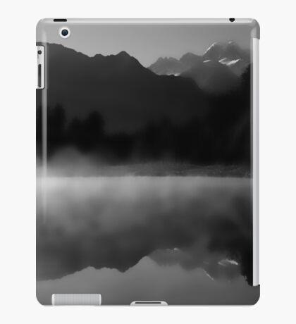 Lake Matheson New Zealand iPad Case/Skin