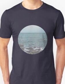 Rocky Beach Travel Photography T-Shirt