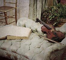 Violin by Jeanette Varcoe.