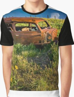 Dalles Mountain Ranch Car #4 Graphic T-Shirt