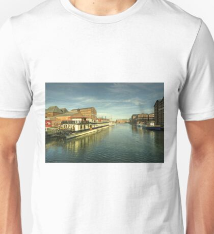 Oliver Cromwell at Gloucester Docks  Unisex T-Shirt