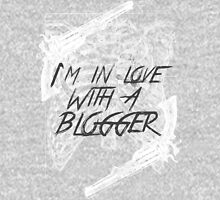 In love with a blogger (WHITE) Unisex T-Shirt