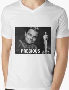 Leonardo reacting to Oscar Mens V-Neck T-Shirt
