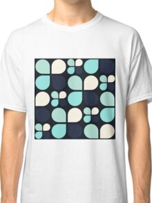 Blue Daisy - Flower Pattern Classic T-Shirt